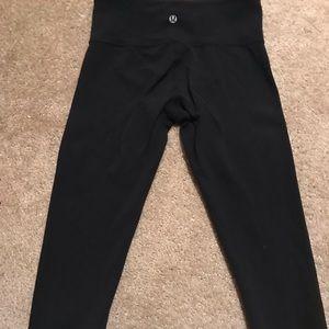 Lululemon cropped leggings. Size 4.